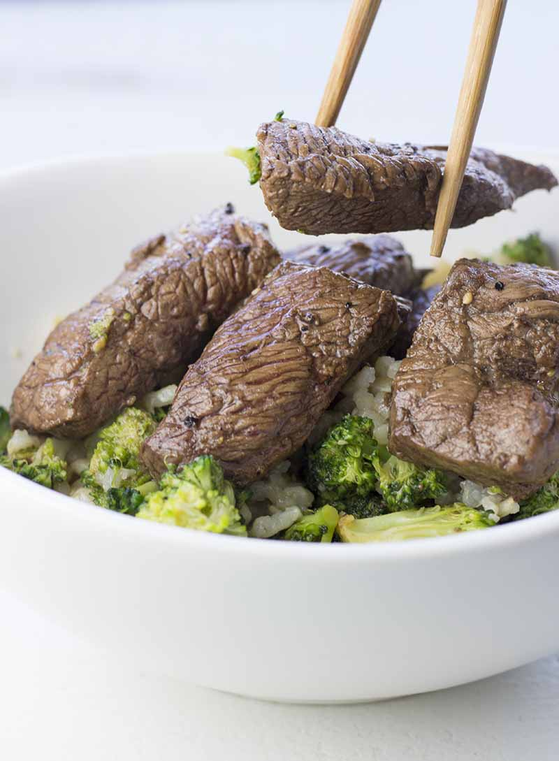 This Marinated Steak and Broccoli has to be one of the easiest and healthiest weeknight dinners you can cook. If you prepare the marinated steak ahead of time, the total cooking time is just 5 minutes. #healthyeating #healthyrecipes #diabetesdiet #diabetesrecipes #diabeticdiet #diabeticfood #diabeticrecipe #diabeticfriendly #lowcarb #lowcarbdiet #steak #marinated #easy