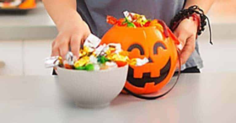 Navigating the Candy Jungle: How to Handle Halloween as a Diabetic